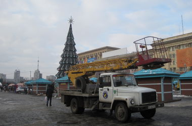 В Харькове начали разбирать праздничный городок