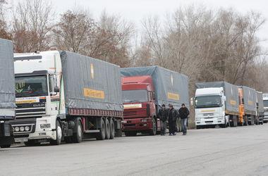 Штаб Ахметова практически ежедневно отправляет гуманитарные рейсы на Донбасс