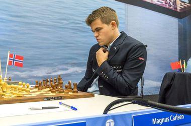 Чемпион мира по шахматам Карлсен догнал украинца Иванчука на турнире в Вейк-ан-Зее