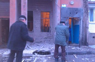 Петровский район Донецка подвергся мощному обстрелу: погибли дети