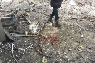 В Донецке снаряд попал в автобусную остановку - есть погибшие