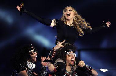 Легендарный боксер Майк Тайсон спел вместе с Мадонной