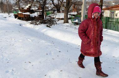"""В Донецке школьникам продлили """"боевые каникулы"""""""