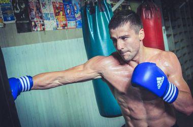 Александр Гвоздик во втором раунде нокаутировал Кори Каммингса