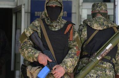 В течение дня боевики обстреливали аэропорт Донецка, район Дебальцево и Крымское