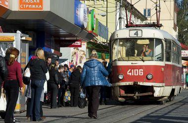 В Донецке остановили движение троллейбусов и трамваев