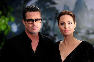 Анджелина Джоли и Брэд Питт поженились дважды