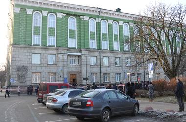 Из-за сообщения о бомбе из Тернопольского медуниверситета эвакуировали людей