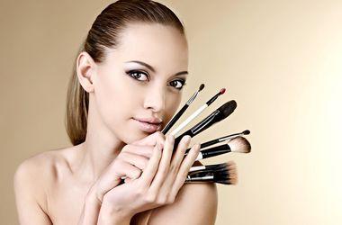 Для женской красоты черты лица важнее, чем макияж – ученые