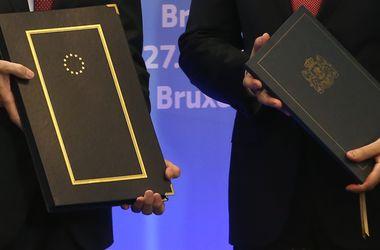 """Договор об ассоциации между Украиной и ЕС """"завис"""" из-за отсутствия реформ - эксперты"""