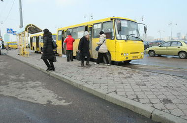 В Киеве из-за ярмарок изменят маршруты автобусы
