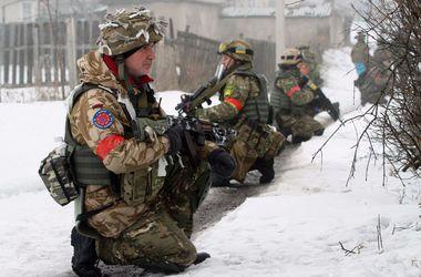 В Углегорске и Дебальцево украинские бойцы готовят контрмеры