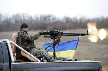 Под Мариуполем  украинские  военные уничтожили танк и живую силу противника