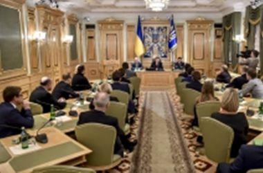 Порошенко встретился с украинской делегацией в ПАСЕ