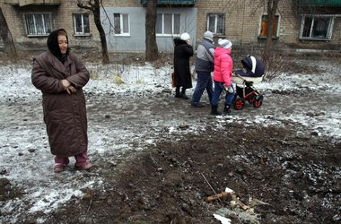 Из-за постоянных обстрелов из Дебальцево не могут эвакуировать мирных жителей