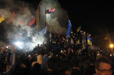Суд требует у Харьковской ОГА подтвердить законность сноса памятника Ленину