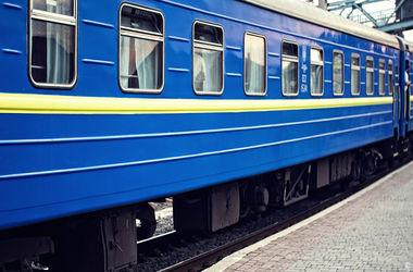 Доппоезд Киев - Ивано-Франковск продлит курсирование