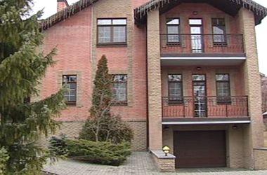 Дачу в Конча-Заспе, где жил Азаров, пока никто не арендовал – дорого - ГУД