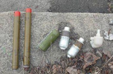 Под мостом в Киеве нашли боеприпасы