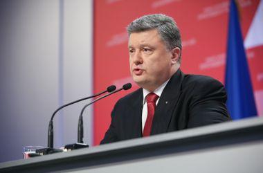 Порошенко в Харькове говорил о войне и децентрализации