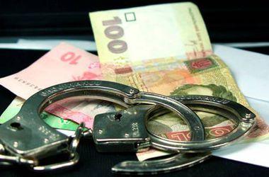 В Киеве поймали чиновника на взятке в 60 тысяч гривен
