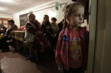 Количество вынужденных переселенцев в Украине превысило 696 тысяч человек - ГСЧС