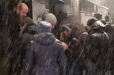 Власти Киева оказались не готовыми к обильному снегопаду, киевляне недовольны
