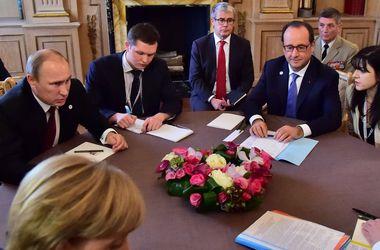 """Источник: Олланд предложит """"заморозить"""" конфликт на Донбассе, а Меркель надавит на Путина"""