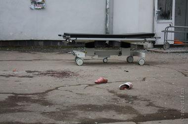 Жене волонтера, который взорвал себя в роддоме Ивано-Франковска, делают операцию