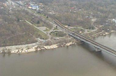 В столице перекрыли мост Метро