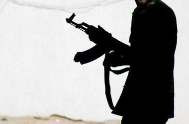 Боевики сбрасывают тела убитых соратников в старые шахты