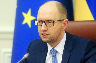 Украина не будет рассматривать варианты, подрывающие территориальную целостность страны – Яценюк