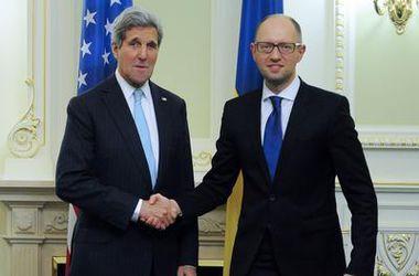 США готовы гарантировать Украине еще 1 млрд долларов кредита, но при условии проведения реформ – Керри