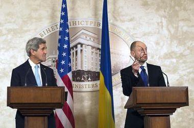 Яценюк поддерживает совместные действия ЕС и США в решении конфликта на востоке