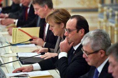 Встреча Порошенко, Меркель и Олланда перешла на расширенный формат