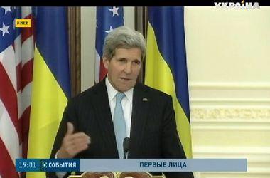 В Киеве с визитом прибывают первые лица США и Европы