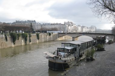 Утешение историей от Олеся Бузины: Париж на три дня