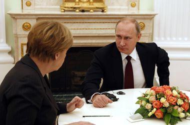 Переговоры Меркель, Олланда и Путина продолжаются больше четырех часов