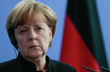 Меркель отмечает необходимость выработки шагов для выполнения минских договоренностей
