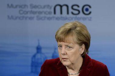 Меркель: Нужно смотреть правде в глаза - поставки оружия в Украину не испугают Россию