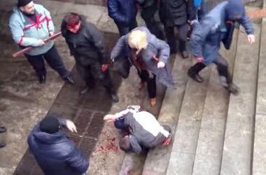 Медсестра, которая избивала ногами евромайдановцев в Харькове, отправится в колонию