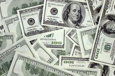 Доллар на межбанке остановил взлет