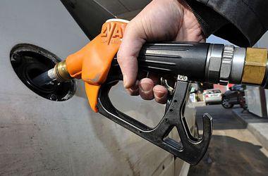 На заправках Украины подскочили цены на бензин