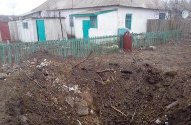 """Под Мариуполем обстреляли жилые дома из """"Торнадо"""""""