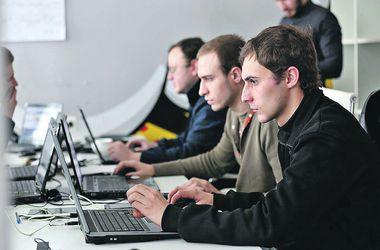 Для жителей Донбасса и переселенцев разрабатывают смс-помощь и рисуют карту опасных зон