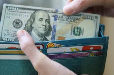 Официальный курс доллара уже дорос до 25,5 грн