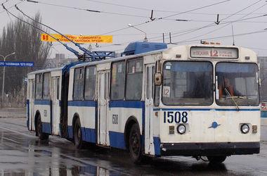 В общественном транспорте Мариуполя задержан пенсионер с автоматом Калашникова