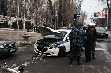 """Боевики-""""полицейские"""" совершили ДТП в Донецке"""