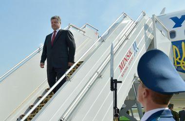 Порошенко вылетел в Минск