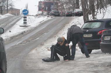 Чем может быть опасна соль на киевских дорогах